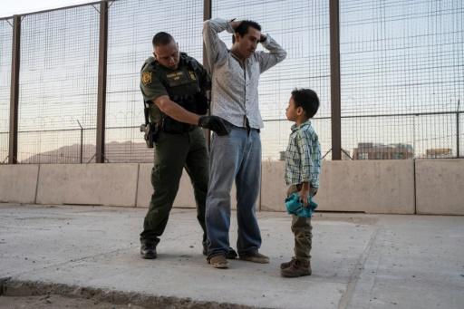 Trump va imposer des tarifs douaniers au Mexique, qui réagit — Immigration clandestine