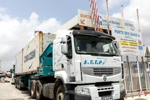 Les barrages reprennent en attendant un accord avec le gouvernement — Guyane